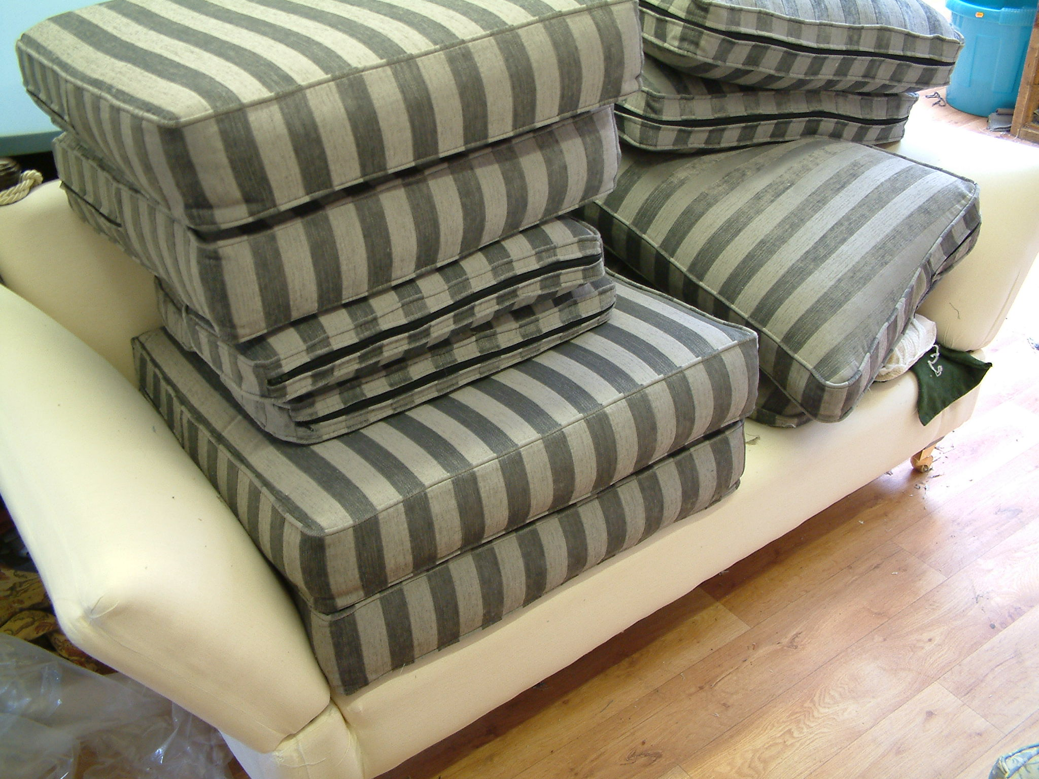 Tailored sofa covers from Eeze Interiors
